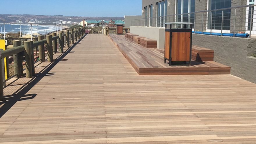 Timber Decking vs Composite Decking